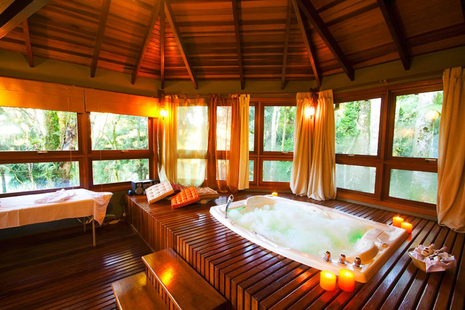 Mini spa pousada casa de pedra naturalmente bela - Minibar da casa ...